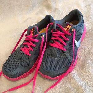 Nike Women's Flex Experience RN2